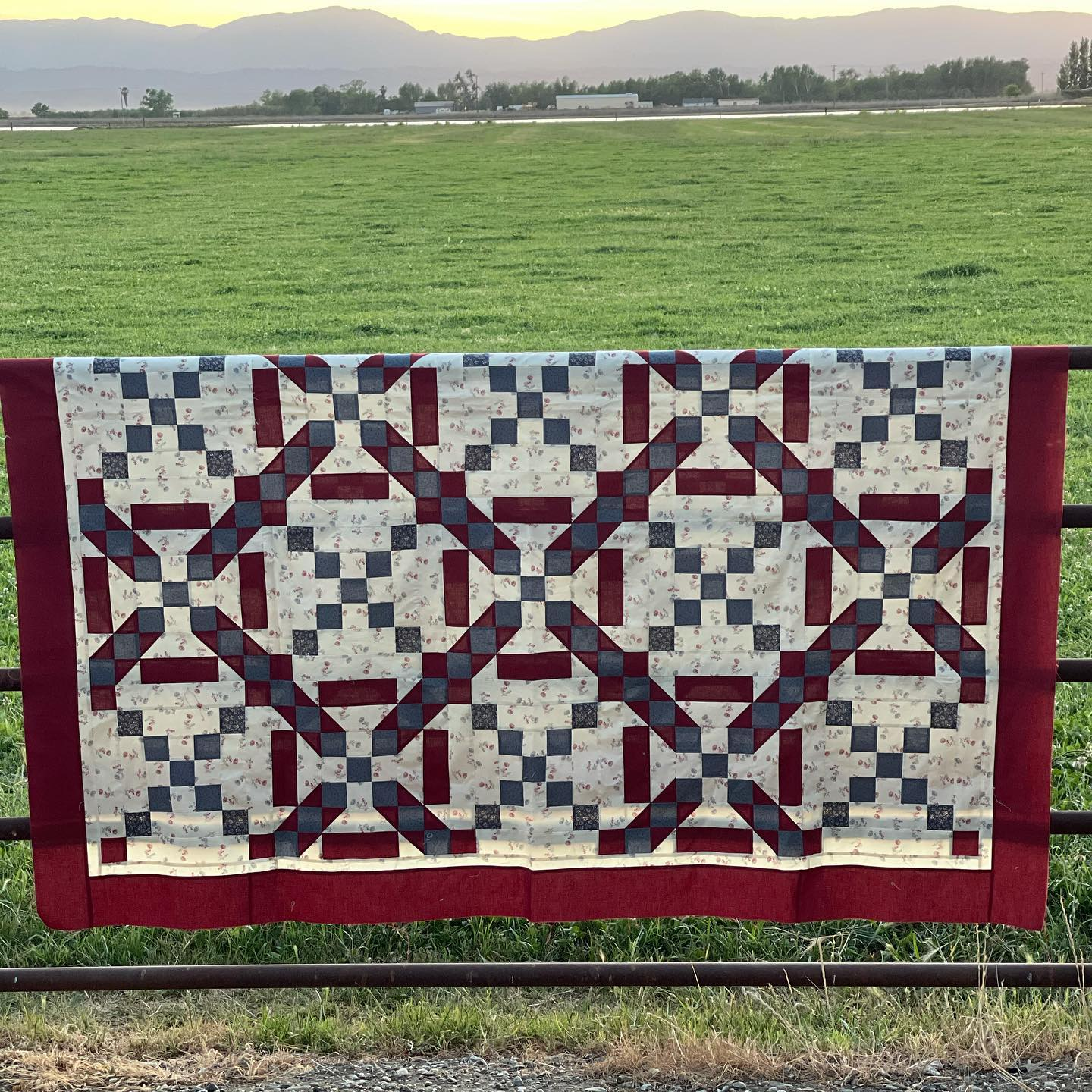 Quilt Corral Unravel the Mystery Kit