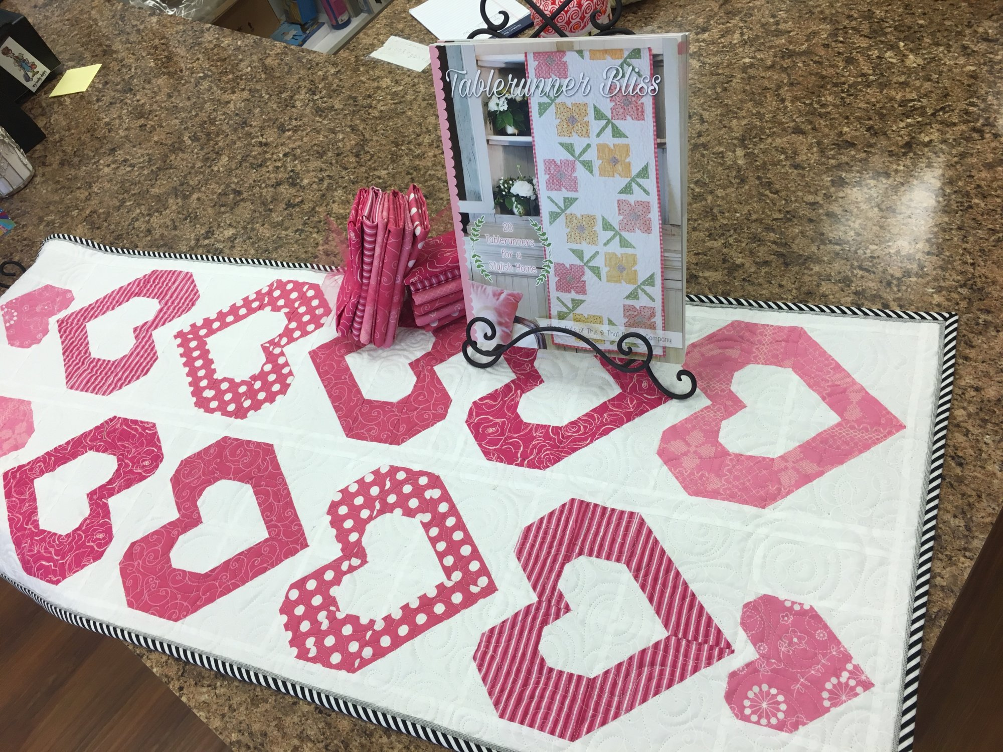 Lovely Table Runner/Kit
