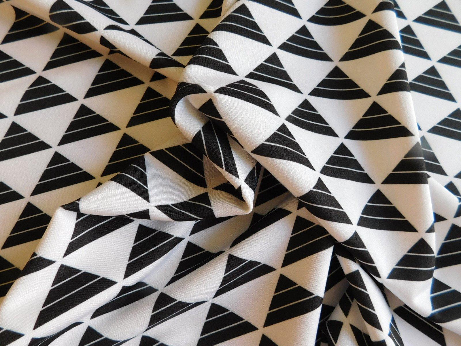 Smak Parlor Black and White Triangle Scuba Knit