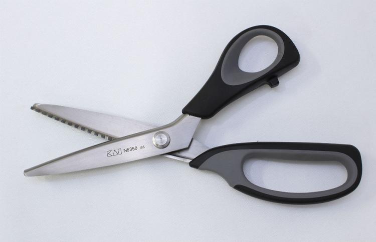 KAI - Pinking Shears
