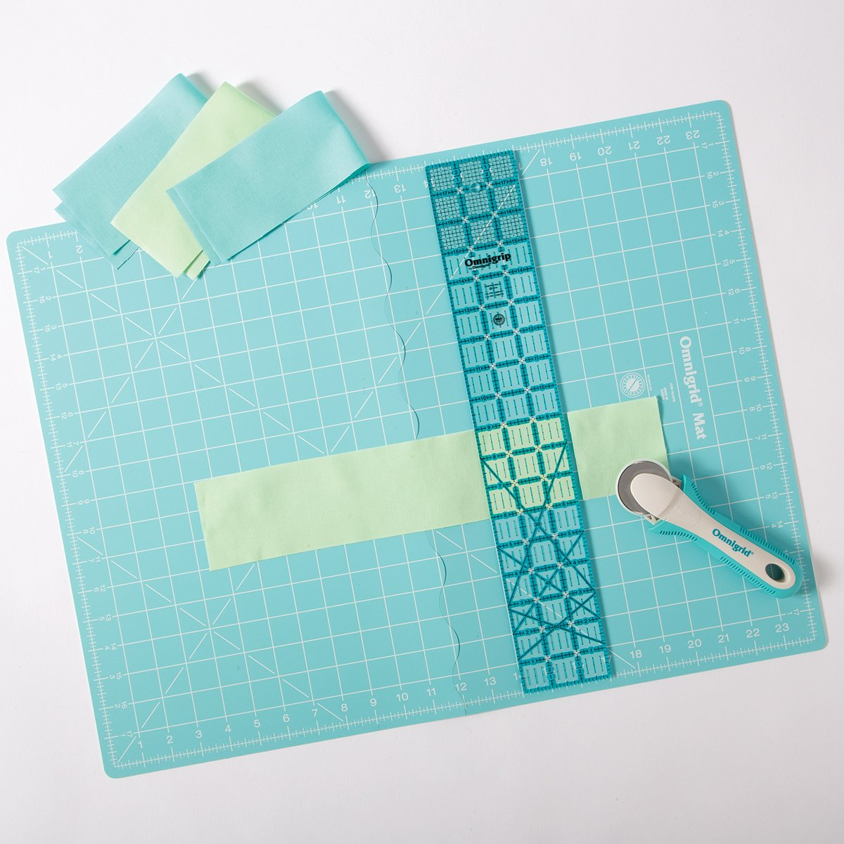 OmniGrid - Rotary Cutting Kit with Folding Mat