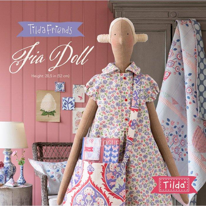 FREE PATTERN!  Fia Doll - Tilda