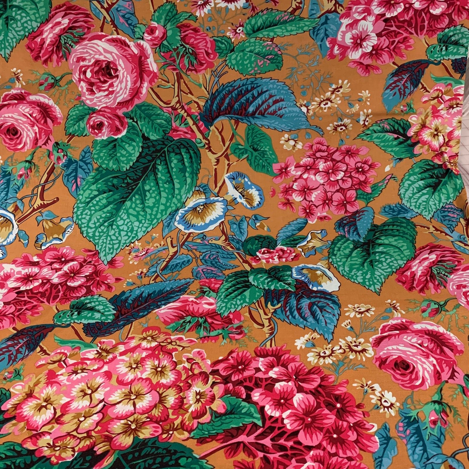 Kaffe Fassett, Rose and Hydrangea Ochre