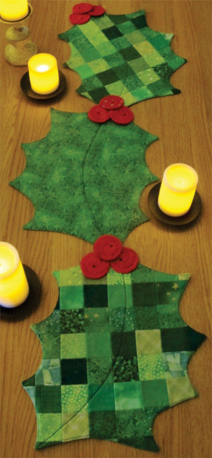 table runner with placemats classy holly days table runner placemats st1719 pattern 768945017193