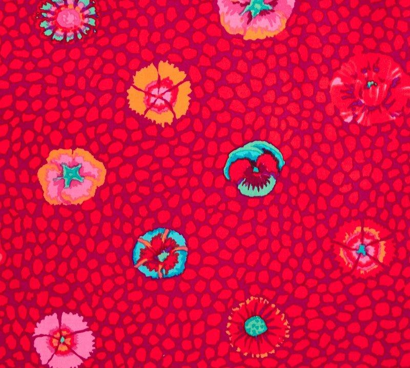 CLASSICS - GUINEA FLOWER - RED - Kaffe Fassett - PWGP059.REDXX