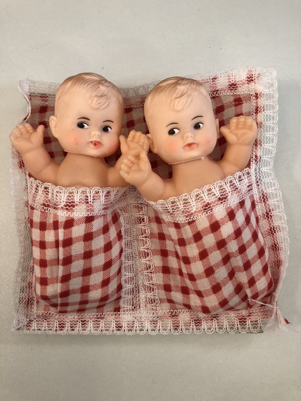 Twin Cupie Dolls Red Blanket