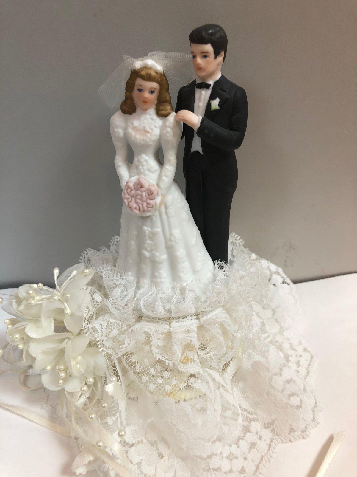 Delicate Joy  Bride & Groom  Cake Topper