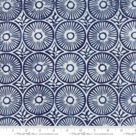 25 REMNANT - Longitude Batiks RAYON Navy (27259 87R) from Kate Spain for Moda