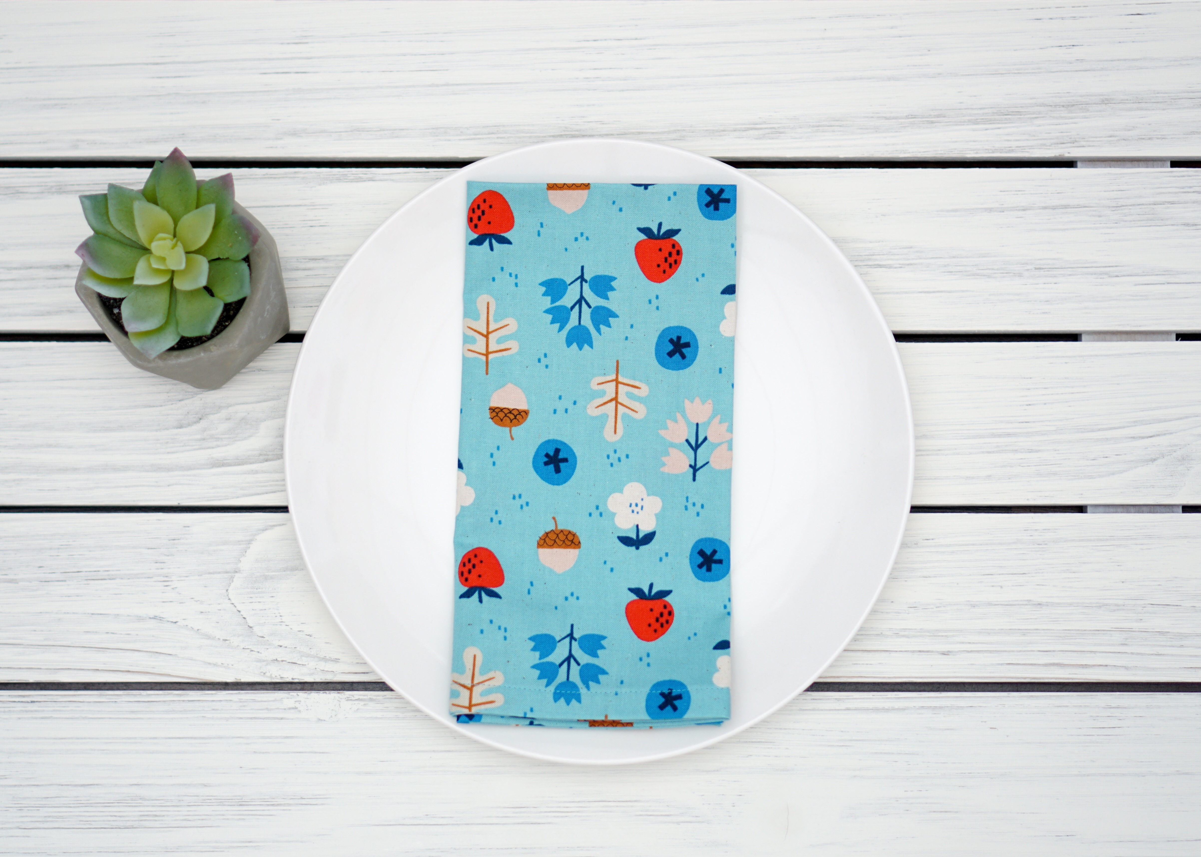 Cloth Napkins - Acorns and Strawberries