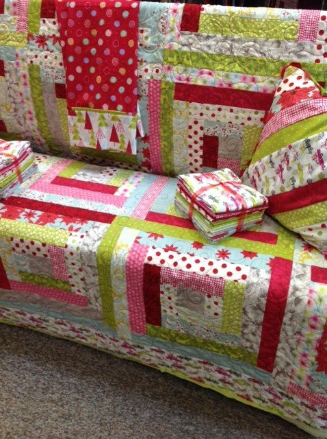 Log Cabin Christmas Quilt.Christmas Log Cabin Quilt Kit Features Hip Holiday Collection