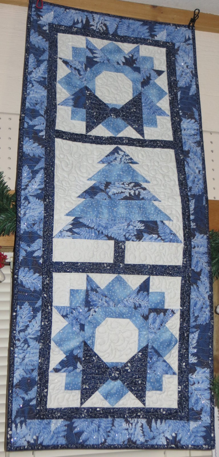 Christmas Wall Quilt - 2 color ways