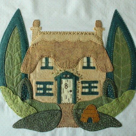 Bumblebee Cottage e-pattern, Block 1 of Briarside Lane