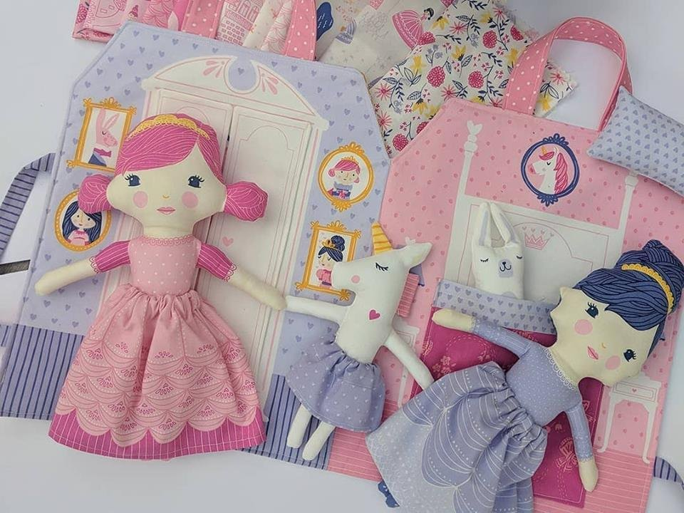 Once Upon A Time Doll & Playbook Kit
