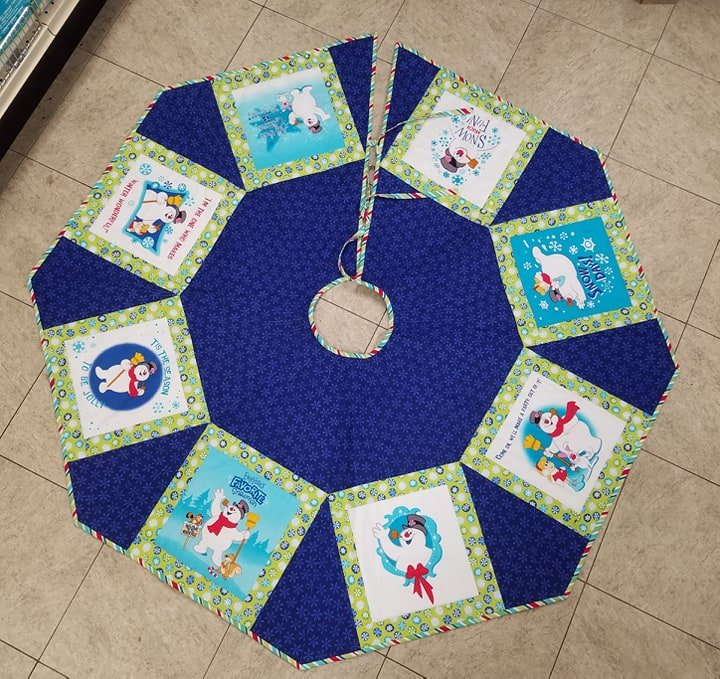 Frosty Tree Skirt Kit