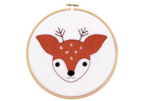 Hoop Art Embroidery Kit - Fawn