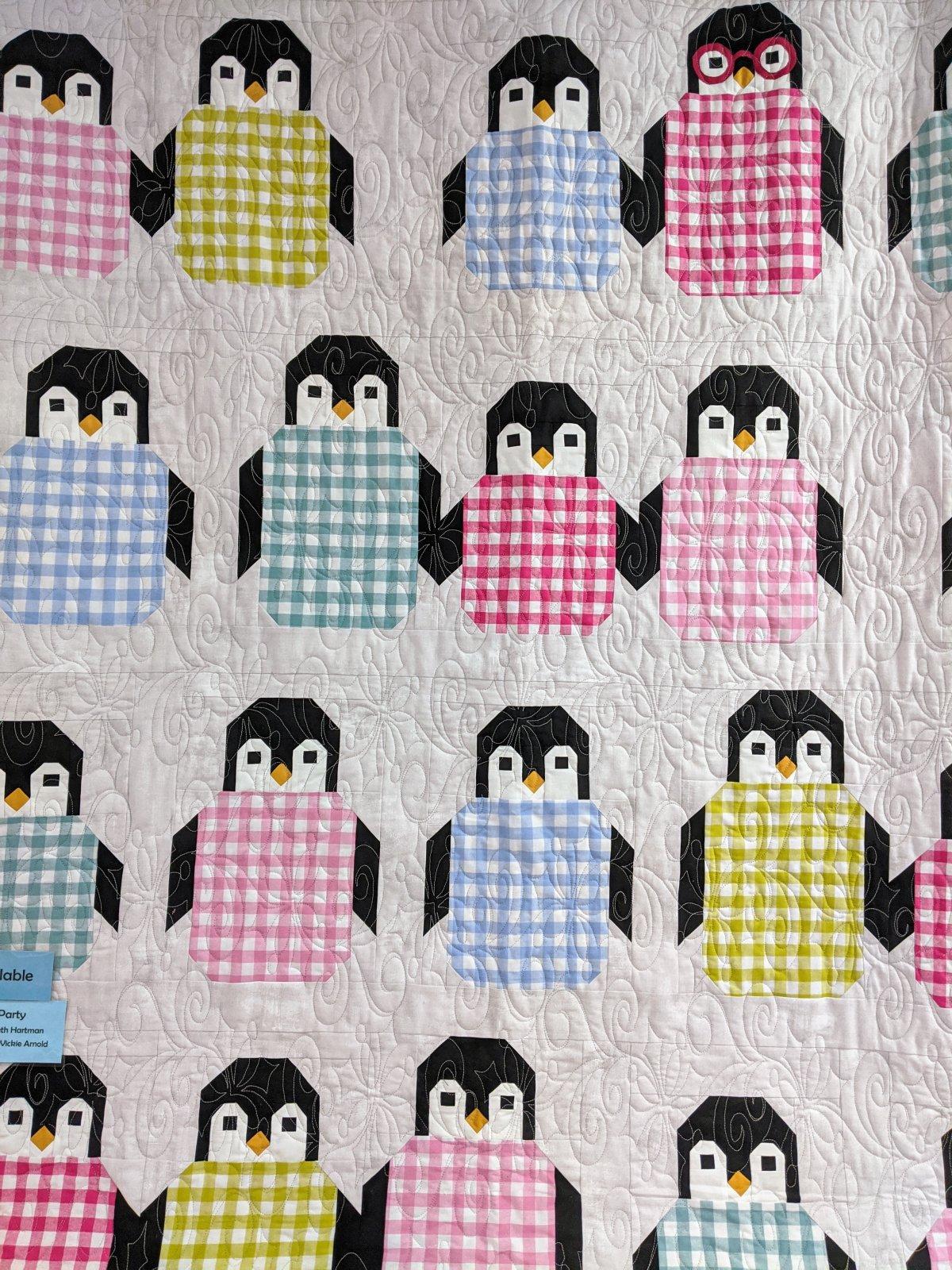 Kit Penguin Party Gingham