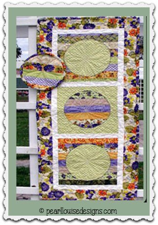 OODLES OF NOODLES TABLE RUNNER