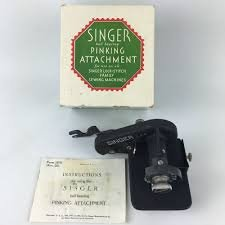 Vintage Singer 221 Featherweight Low Shank Singer Pinking Attachment Attachment (Low Shank) 121021