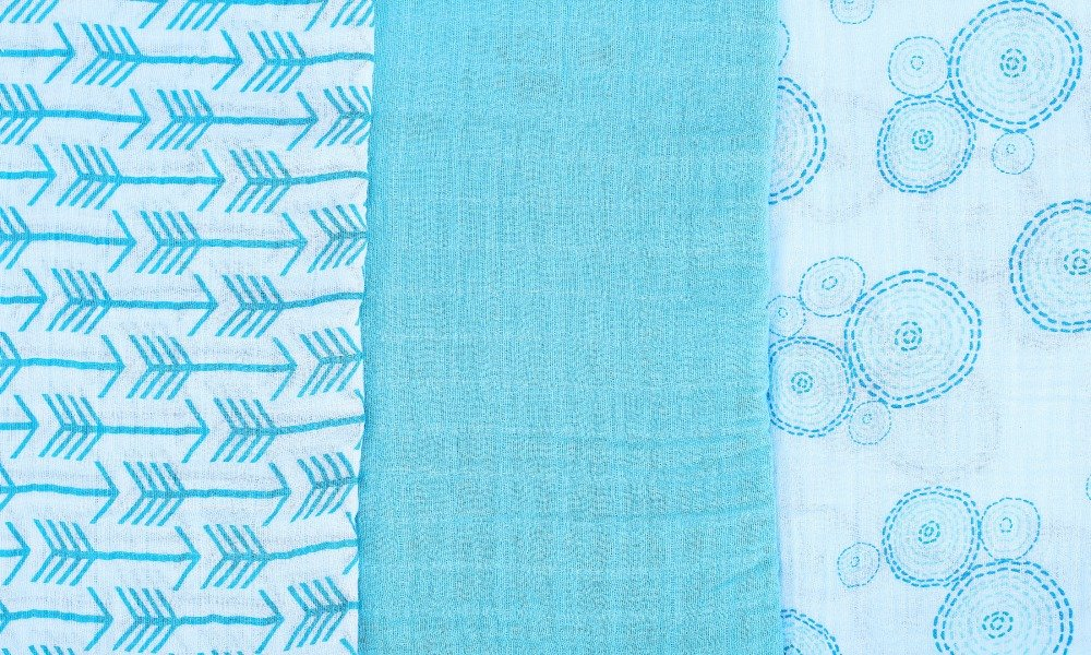 Swaddle Teal Arrow