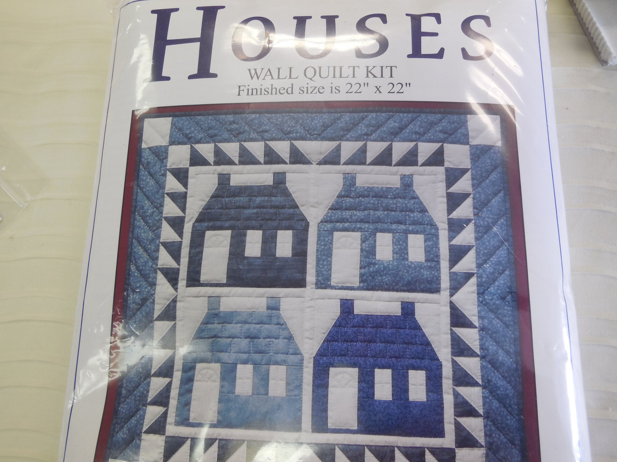 :Houses Wall Quilt Kit   Finished Size  22 x 22