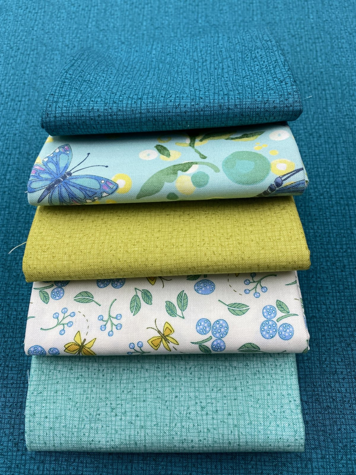 Cottage Bleu Fat Quarter Bundle (5Pc) by Robin Pickens for Moda