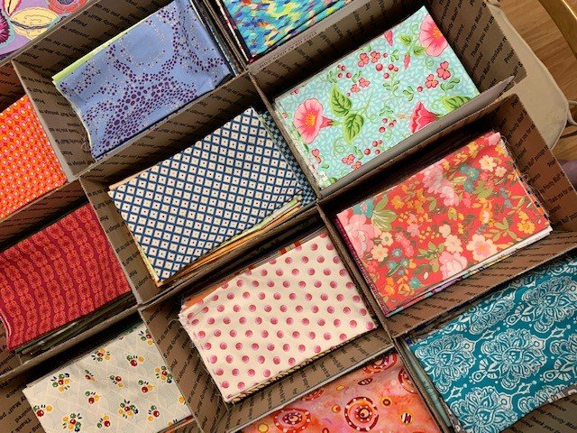 Bargain Box Fat Quarter Flat Fold Pack of 50 FQs