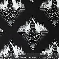 Batman VS Superman - Characters - Black/White