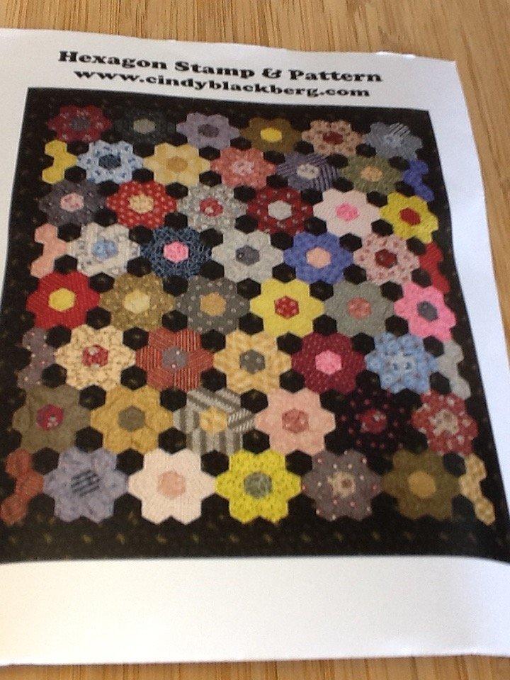 1-1/8 Hexagon w/ Aunt Hattie's Pattern