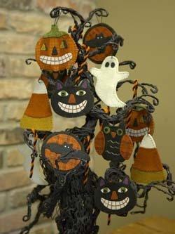 Sweet & Spooky Wool Ornaments pattern