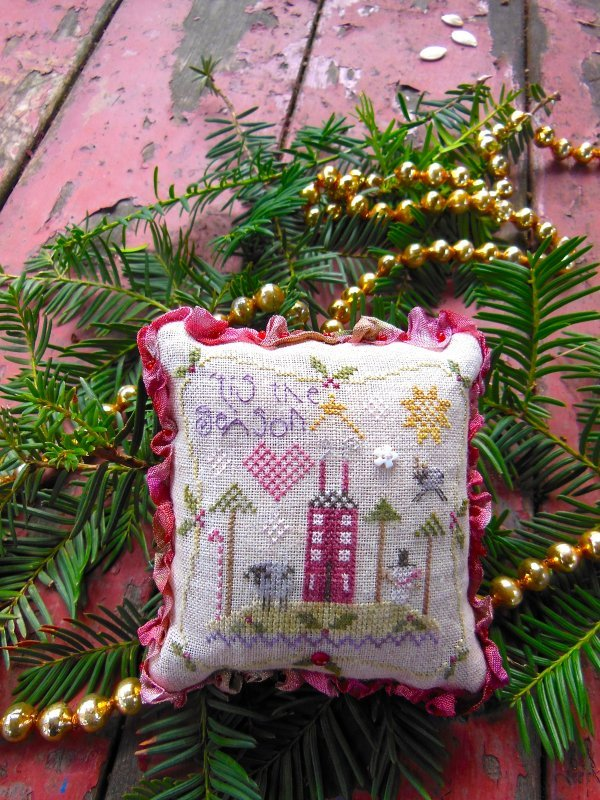 Tis the Season Pincushion Kit