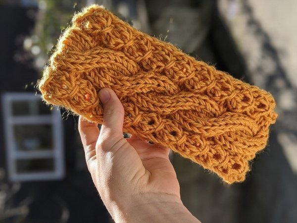 L Cable Knit Headband