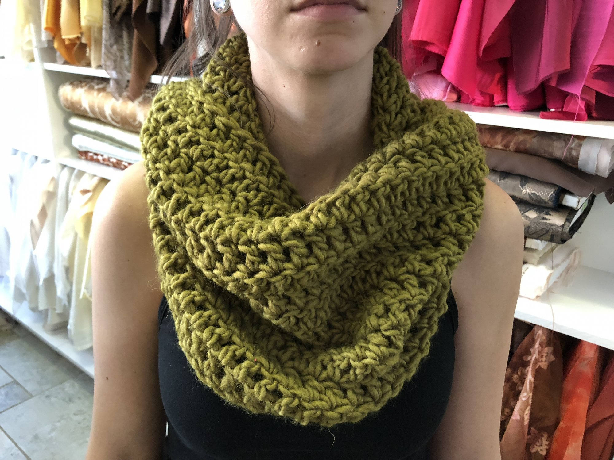 Extra Chunky Green Cowl