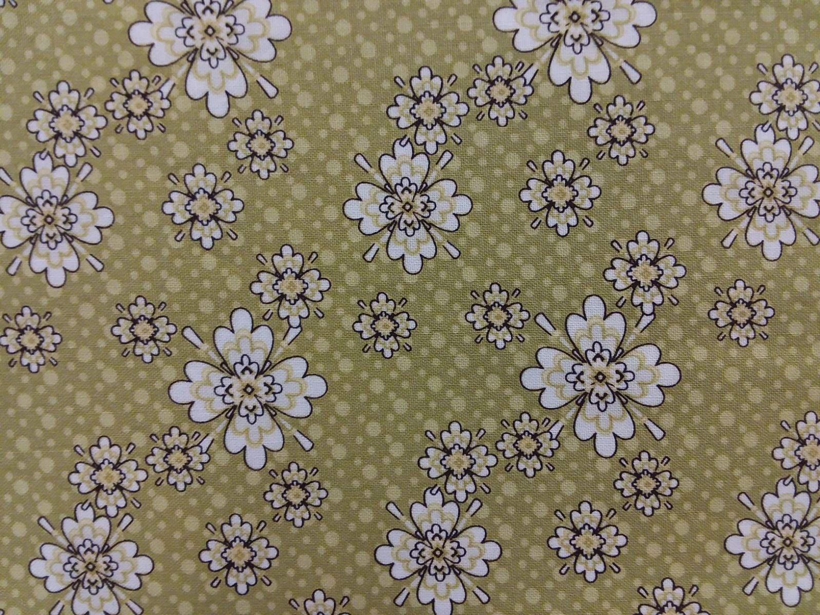 Aubrey - Green Flowers