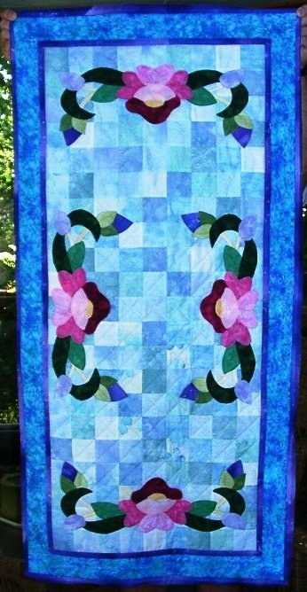 July Water Lily Table Runner