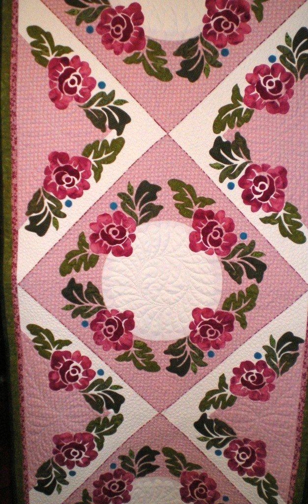 June Roses Bed Runner