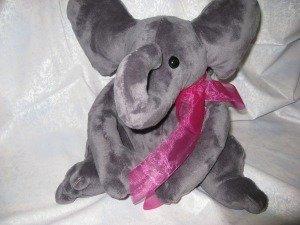 Carol's Zoo Elephant Kit Dark Grey (pattern not included)