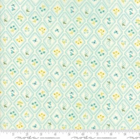Home Sweet Home - Cream Aqua Flowers