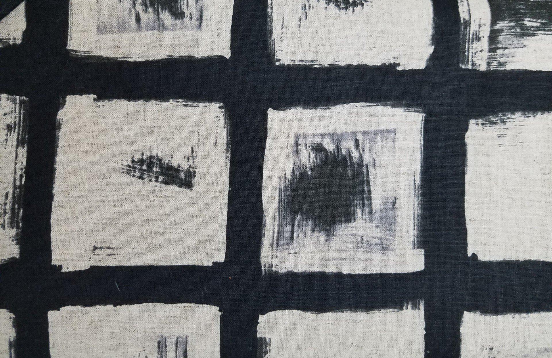 Black & White 5061