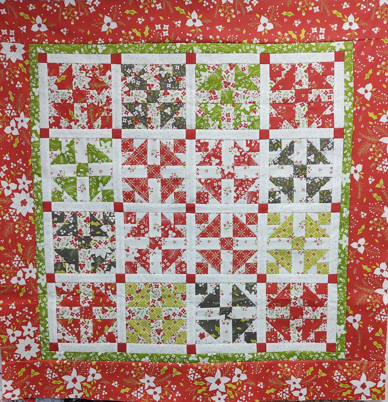 Holliberry Holly Daze Wall Hanging Kit