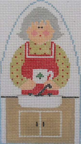 Mrs. Claus washes the dishes