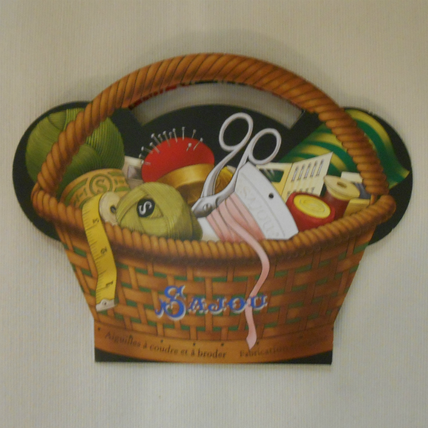 Sajou Vintage Basket Needle Case with 30 assorted needles