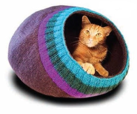 Bright Knit Cat Cave