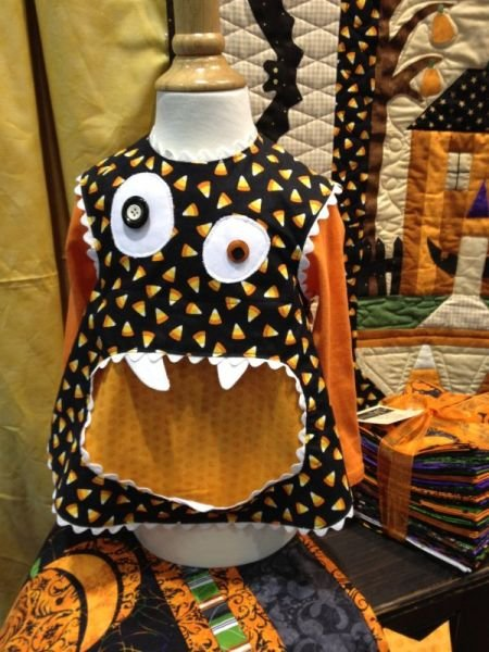 Smock Monsters Apron KIT - Choice of Rick Rack Color - ONE LEFT!