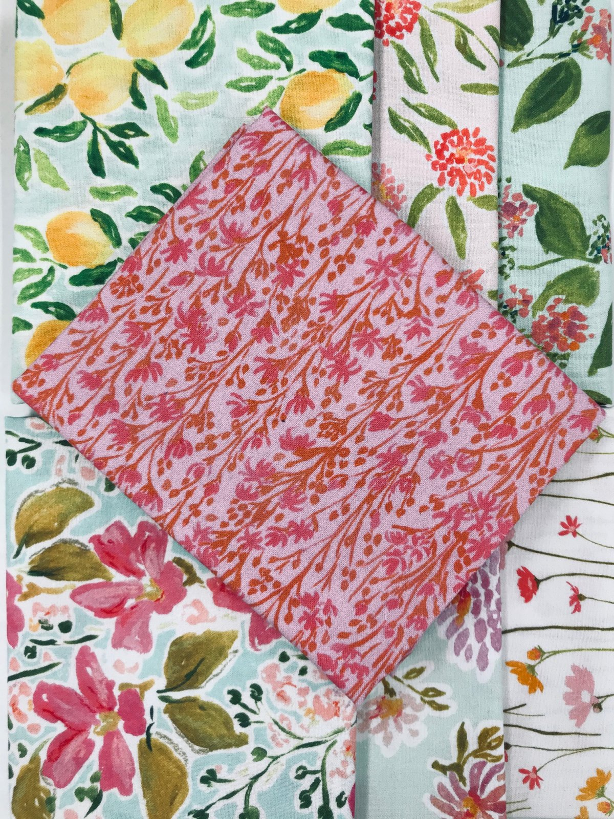 Pink Lemonade Blooms Fat Quarter Bundle