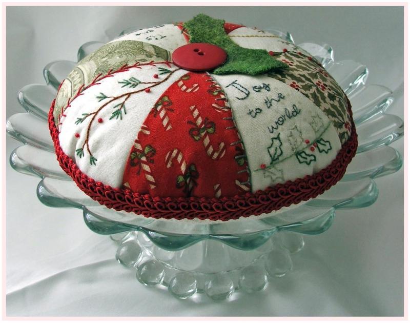 Christmas Pie Pin Cushion