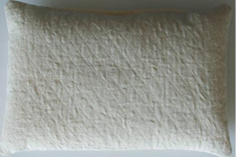 Quilted pillow form (T100)