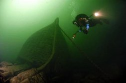 Diver on the Lilly Parsons Wreck in the 1000 Islands