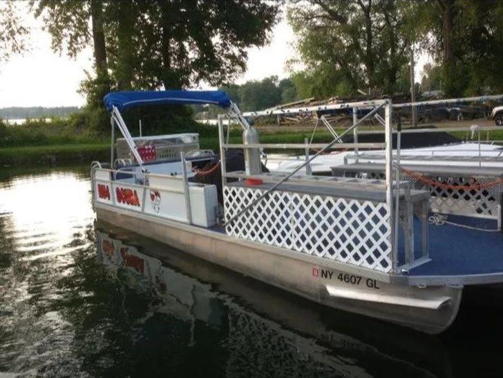 RU4Scuba's Dive Boat