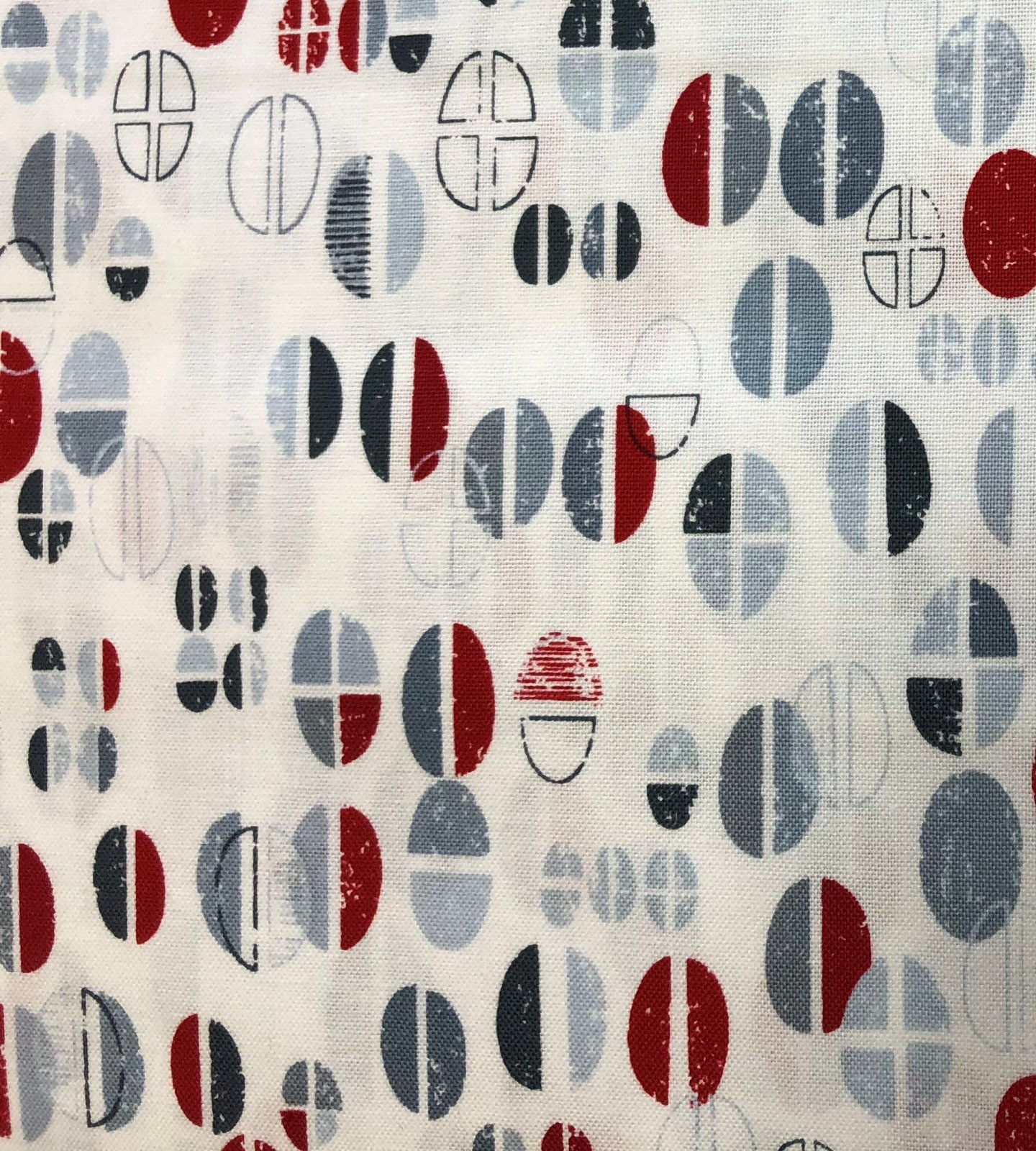 Perfect Blend White-Red, Kanvas Studio