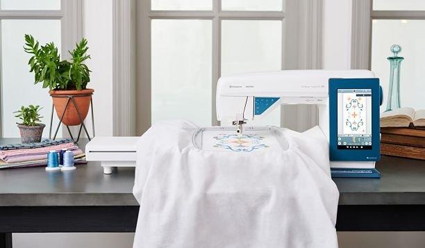 HUSQVARNA VIKING® DESIGNER SAPPHIRE™ 85 SEWING & EMBROIDERY MACHINE